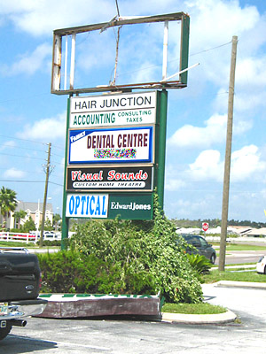 [sign damage in north Tampa Bay]